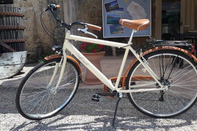 Biciclette Cava Li Santi Residence a Santa Caterina Nardò