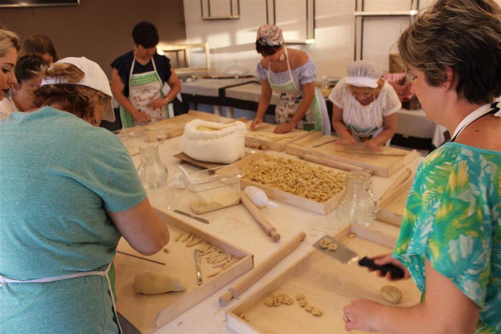 Laboratorio di Pasta fatta in casa a Cava Li Santi Residence
